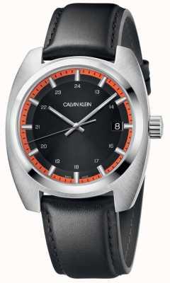 Calvin Klein Os homens alcançam pulseira de couro preto K8W311C1