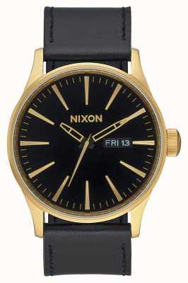 Nixon Couro Sentinela | ouro / preto | pulseira de couro preta mostrador preto A105-513-00