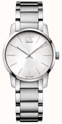 Calvin Klein Bracelete de aço inoxidável para mulheres da cidade K2G23126